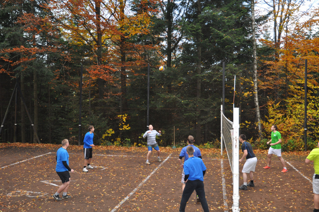 Volejbal proti studentom z Tuchova