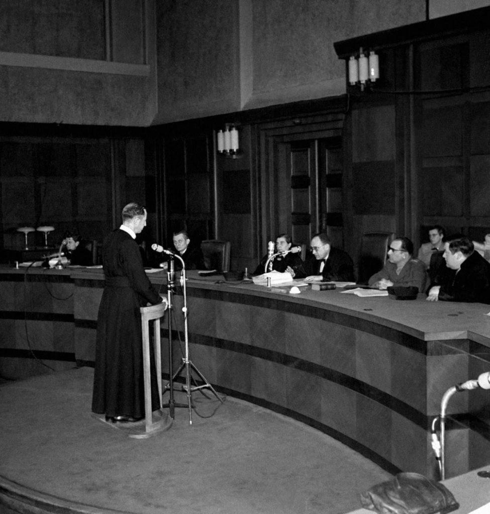 1. apríl 1950 Praha, ČSR: Ján Mastiliak bol na súde vo vykonštruovanom procese obvinený z protištátnej činnosti a špionáže v prospech Vatikánu.